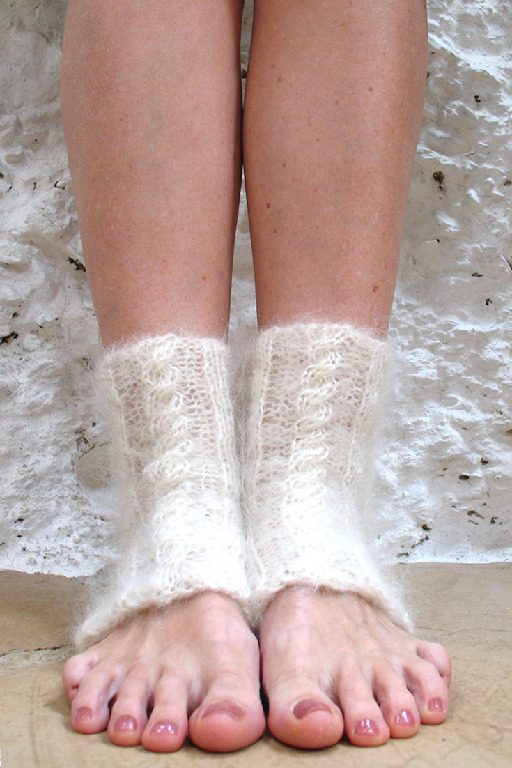 yoga socks knitting 735x1102